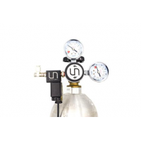 UNS Dual Gauge CO2 Regulator with Solenoid