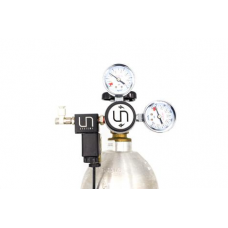 UNS Dual Gauge CO2 Regulator with Solenoid